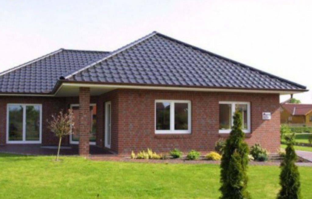 Winkelbungalow 132w Seitenansicht mit Terrasse