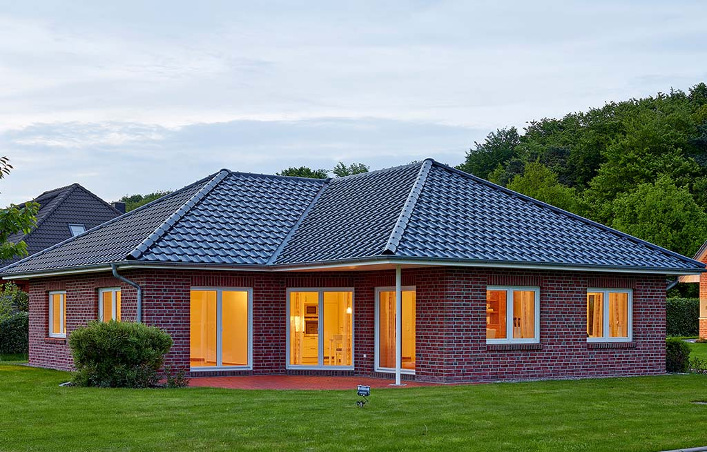 Bungalow 128w Rückansicht mit Terrasse