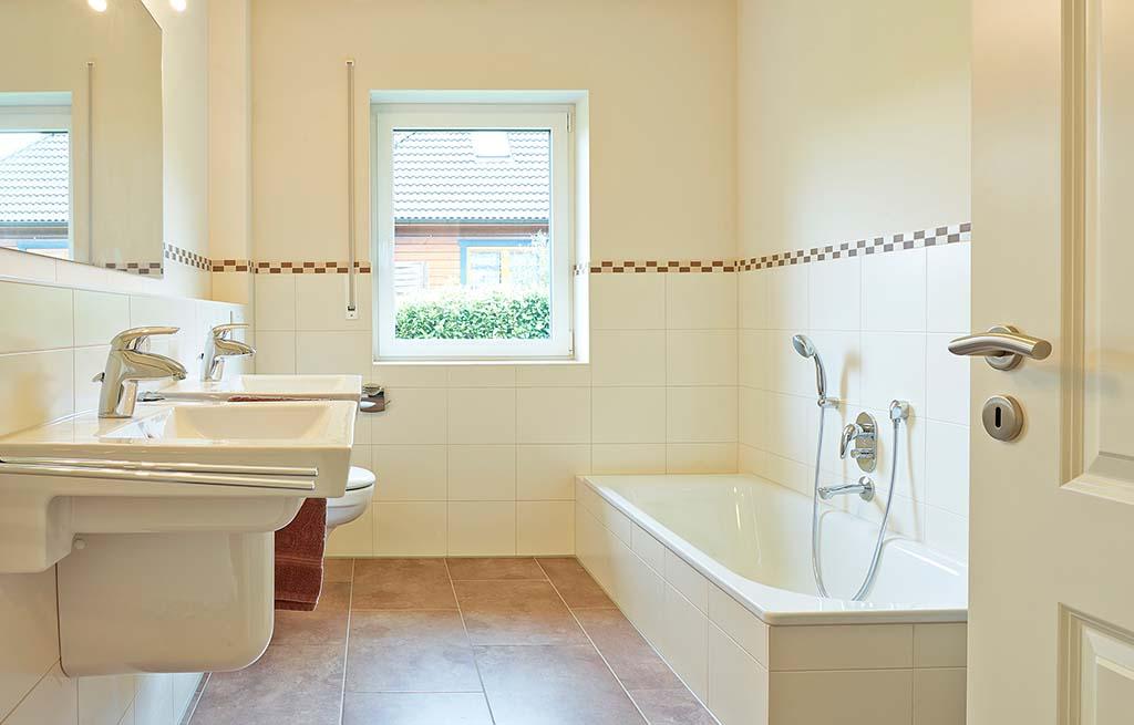 Bungalow 128w modernes Badezimmer