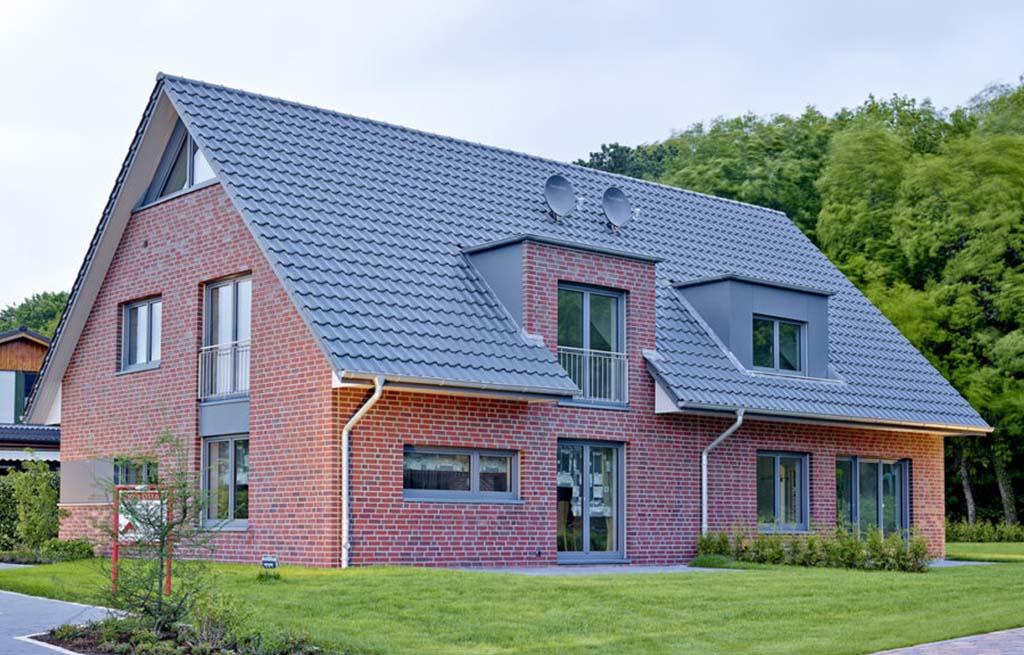 Doppelhaus 116D Außenansicht Rückseite mit Terrassen